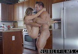 X videos porno foda comendo a jovem