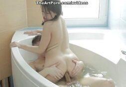 Porno italiano gata no banheiro fodendo